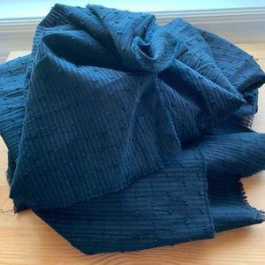 Zara scarf 🖤 2/$25